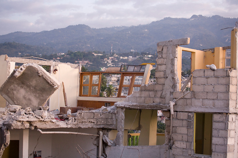 Petionville, Haiti. 1/27/2010. Photo by Ben Depp