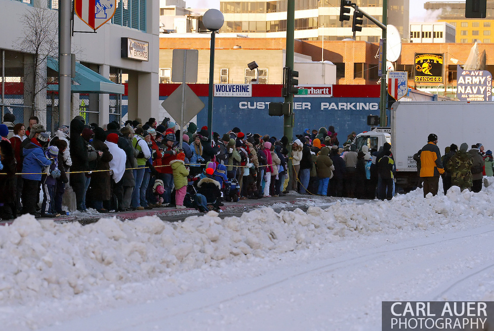 3/3/2007:  Anchorage Alaska -  Fans line 4th Avenue in Downtown Anchorage for the 35th Iditarod Sled Dog Race