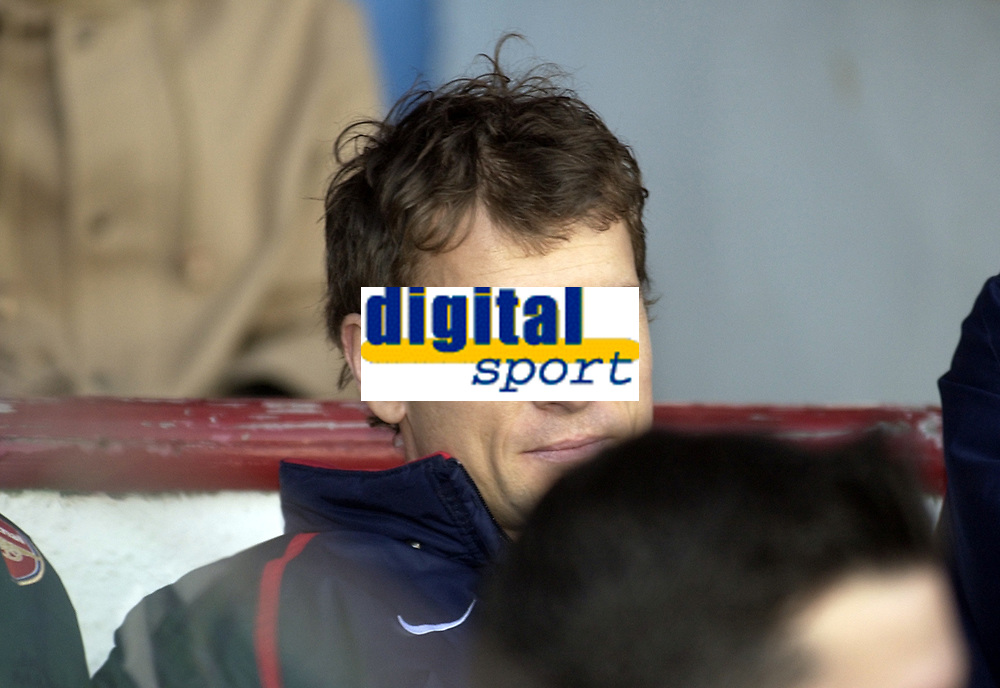 Picture: Henry Browne, Digitalsport<br /> Date: 23/01/2005.<br /> Arsenal v Newcastle United Barclays Premiership.<br /> Jens Lehmann on the bench.