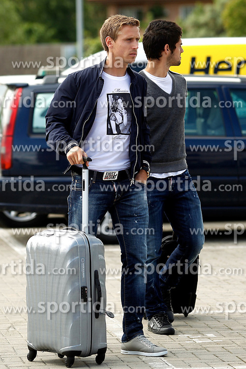 "21.05.2012, Ciudad del Futbol, Madrid, ESP, UEFA EURO 2012, Trainingscamp, Spanien, abreise der Mannschaft ins Trainingslager nach Schruns in Oesterreich, im Bild Spanish national football players Ignacio Monreal Eraso and Francisco Román Alarcón ""Isco"" (r) departure of spanish national football team to the team's training camp in Schruns in Austria // during the preparation UEFA EURO 2012 at Ciudad del Futbol, Madrid, Spain on 2012/05/21. EXPA Pictures © 2012, PhotoCredit: EXPA/ Alterphotos/ Alconada..***** ATTENTION - OUT OF ESP and SUI *****"