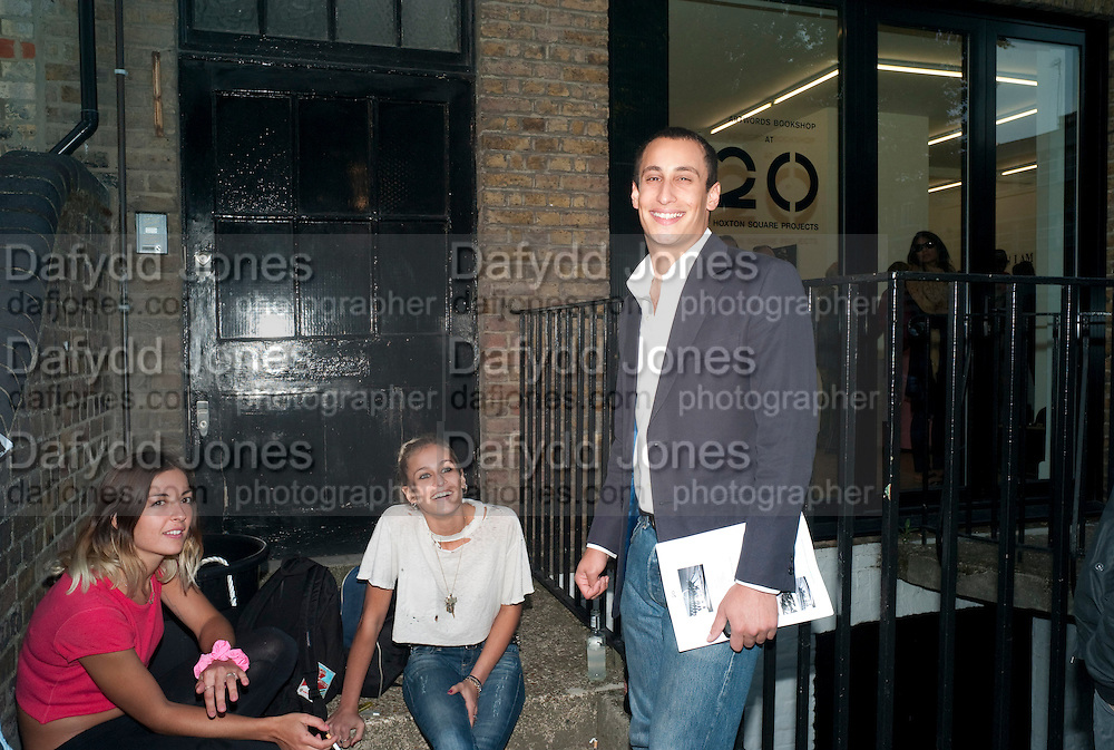 """EMMA CHITTY; ALICE DELLAL; ALEX DELLAL, Video artist Yi Zhou  first solo show """"I am your Simulacrum"""".Exhibition opening at 20 Hoxton Square Projects. Hoxton Sq. London. 1 September 2010.  -DO NOT ARCHIVE-© Copyright Photograph by Dafydd Jones. 248 Clapham Rd. London SW9 0PZ. Tel 0207 820 0771. www.dafjones.com."""