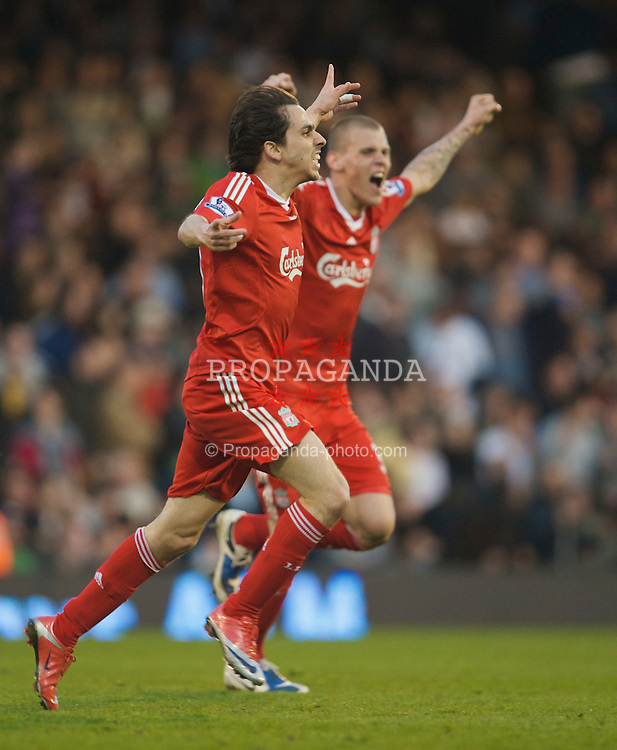 LONDON, ENGLAND - Saturday, April 4, 2009: Liverpool's match-winner Yossi Benayoun celebrates his goal with team-mate Martin Skrtel against Fulham during the Premiership match at Craven Cottage. (Pic by David Rawcliffe/Propaganda)