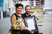 20170824 Kristiansand, <br /> <br /> Vinner av Sparebanken S&oslash;r Musikkpris 2017<br /> <br /> Musikkpris p&aring; 75 000 kroner tildelt Kristiansands-duo.<br /> Sparebanken S&oslash;r Musikkpris for 2017 er tildelt Huayra Duo. Duoen best&aring;r av fiolinist Loussine Azizian (31) og cellist Leonardo Sesenna (34). <br /> <br /> Foto: Kjell Inge S&oslash;reide<br /> <br /> Juryen ber&oslash;mmer hvordan de to orkestermusikerne har skapt et s&aelig;regent samarbeidsprosjekt som holder sv&aelig;rt h&oslash;yt kunstnerisk niv&aring;.<br /> Duoen har allerede gjort seg bemerket b&aring;de her hjemme p&aring; S&oslash;rlandet og utenfor landegrensene. Med prisen p&aring; 75 000,- kan de realisere mange av sine fremtidsplaner. - Denne prisen betyr mye for utviklingen av duoen. N&aring;r arbeider vi med en plateinnspilling og vi har ambisjoner om konsertvirksomhet b&aring;de i Skandinavia og internasjonalt i tiden fremover, forteller fiolinist Loussine Azizian.<br /> Samarbeid mellom UiA og Sparebanken S&oslash;r<br /> Musikkprisen deles ut i samarbeid mellom Sparebanken S&oslash;r og Fakultet for kunstfag ved UiA. Seks sterke kandidater med tilknytning til S&oslash;rlandet var nominert. Utover prisvinneren var det bratsjist Anne Camilla Furre Thommessen, fiolinist Kari-Andrea Bygland Larsen, pianist Lars Jakob Rudjord, vokalist Simen Lyngroth og bandet VIAN.<br /> Prisoverrekkelse p&aring; Fakultet for kunstfags studiestart-kickoff<br /> Dekan Marit Wergeland-Yates og direkt&oslash;r konsernstab i Sparebanken S&oslash;r, Rolf S&oslash;raker, sto for selve overrekkelsen under Fakultet for kunstfags semester-kickoff i Kilden 24. august 2017. <br /> - Ved &aring; styrke kunst og kultur virkeliggj&oslash;r vi v&aring;r visjon om &aring; bidra til vekst og utvikling i landsdelen, sa S&oslash;raker til salen, som var fylt med kunstfagstudentene fra Universitetet i Agder. - Sparebanken S&oslash;r Musikkpris er opprettet for &aring; gi unge musikere med tilknytning til landsde