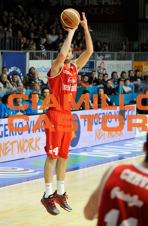 DESCRIZIONE : Cantu' Lega A 2012-13 CheBolletta Cantu' Trenkwalder Reggio Emilia<br /> GIOCATORE : Mladen Jeremic<br /> SQUADRA : Trenkwalder Reggio Emilia<br /> EVENTO : Campionato Lega A 2012-2013<br /> GARA :  CheBolletta Cantu' Trenkwalder Reggio Emilia<br /> DATA : 30/12/2012<br /> CATEGORIA : Tiro<br /> SPORT : Pallacanestro<br /> AUTORE : Agenzia Ciamillo-Castoria/A.Giberti<br /> Galleria : Lega Basket A 2012-2013<br /> Fotonotizia : Cantu' Lega A 2012-13 CheBolletta Cantu' Trenkwalder Reggio Emilia<br /> Predefinita :