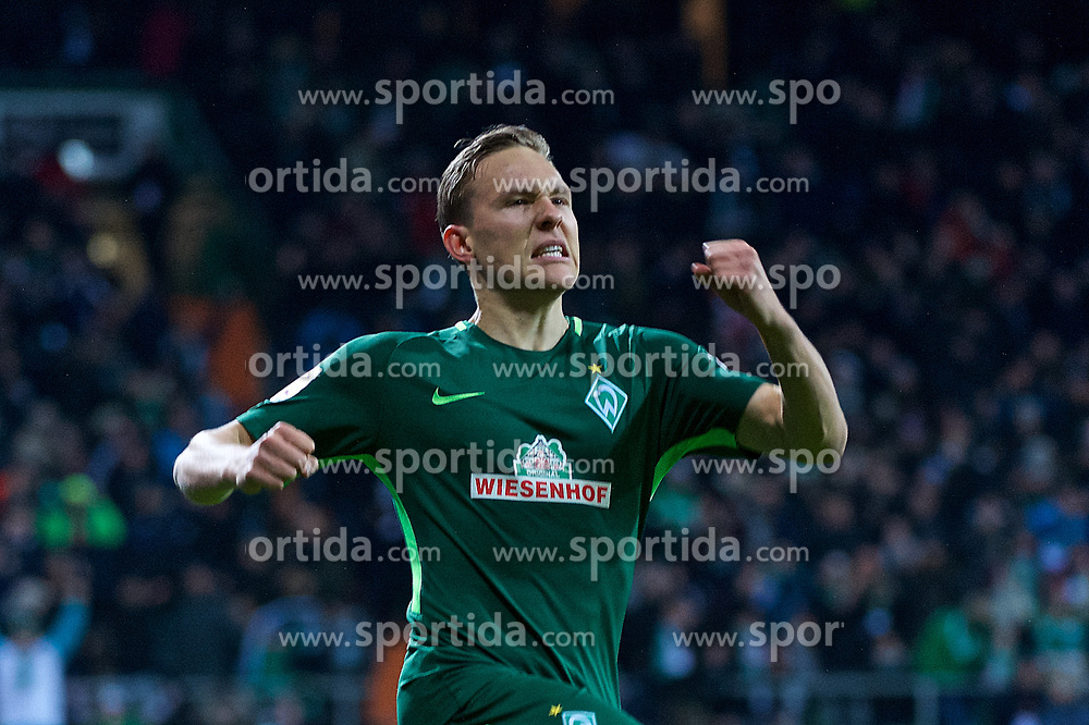11.02.2018, Weserstadion, Bremen, GER, 1. FBL, SV Werder Bremen vs VfL Wolfsburg, 22. Runde, im Bild Ludwig Augustinsson (SV Werder Bremen #5) trifft zum 1:0, hier beim Jubel // during the German Bundesliga 22th round match between SV Werder Bremen vs VfL Wolfsburg at the Weserstadion in Bremen, Germany on 2018/02/11. EXPA Pictures &copy; 2018, PhotoCredit: EXPA/ Andreas Gumz<br /> <br /> *****ATTENTION - OUT of GER*****