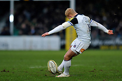 Tom Homer of Bath Rugby kicks for the posts - Mandatory byline: Patrick Khachfe/JMP - 07966 386802 - 13/02/2016 - RUGBY UNION - Sixways Stadium - Worcester, England - Worcester Warriors v Bath Rugby - Aviva Premiership.