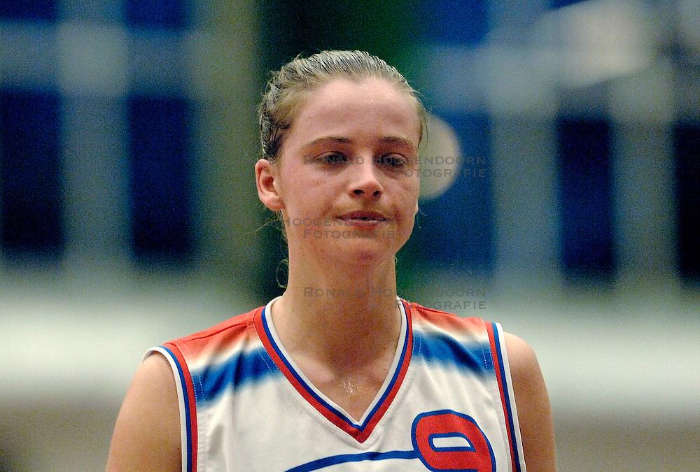 27-04-2006 BASKETBAL: PLAY OFF: BV LELY - CBV BINNENLAND: AMSTERDAM<br /> Binnenland wint ook de tweede wedstrijd en staat nu in de halve finale / Irene Sloof<br /> &copy;2006-WWW.FOTOHOOGENDOORN.NL