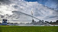 Banen vandes før kampen i 2. Division mellem FC Helsingør og Boldklubben Avarta den 16. august 2019, på Helsingør Ny Stadion (Foto: Claus Birch)