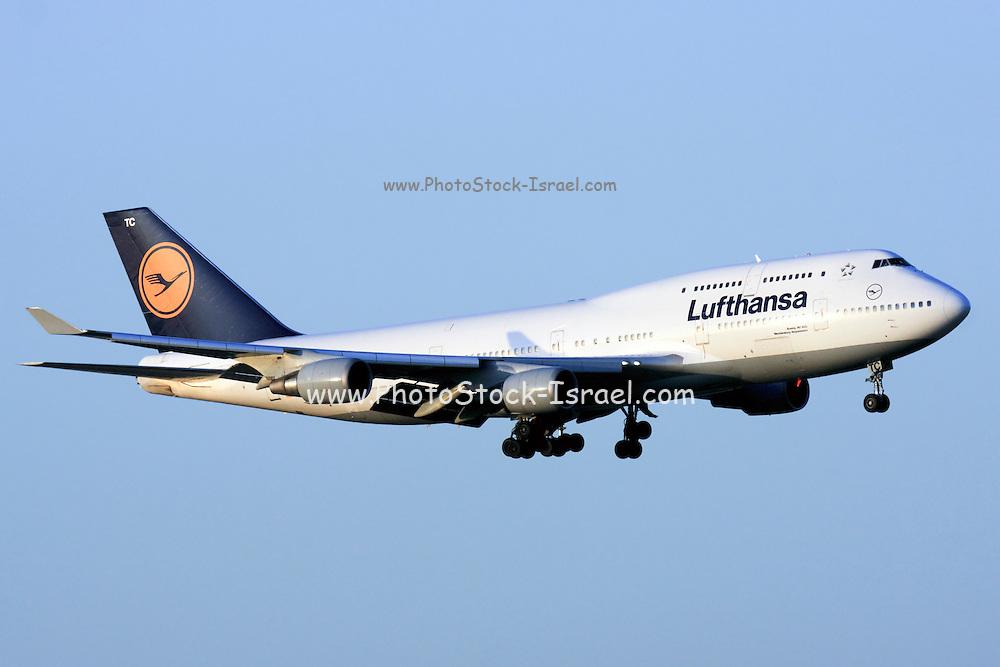 Lufthansa Commercial Flight Boeing 747 400