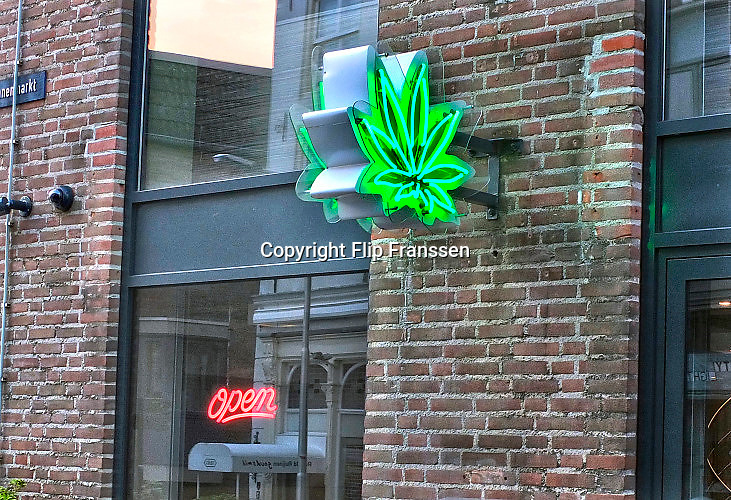 Nederland, Nijmegen, 23-7-2016 Coffeeshop in de binnenstad. FOTO: FLIP FRANSSEN