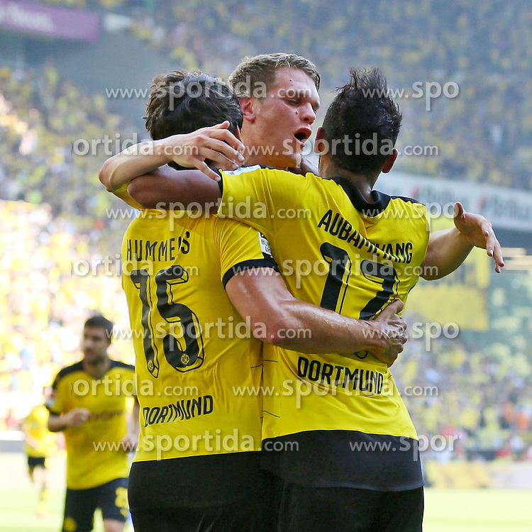 30.08.2015, Signal Iduna Park, Dortmund, GER, 1. FBL, Borussia Dortmund vs Hertha BSC, 3. Runde, im Bild Pierre-Emerick Aubameyang (Borussia Dortmund #17), Torschuetze Kapitaen Mats Hummels (Borussia Dortmund #15) und Matthias Ginter (Borussia Dortmund #28) beim Torjubel nach dem Treffer zum 1:0 // during the German Bundesliga 3rd round match between Borussia Dortmund and Hertha BSC at the Signal Iduna Park in Dortmund, Germany on 2015/08/30. EXPA Pictures &copy; 2015, PhotoCredit: EXPA/ Eibner-Pressefoto/ Schueler<br /> <br /> *****ATTENTION - OUT of GER*****