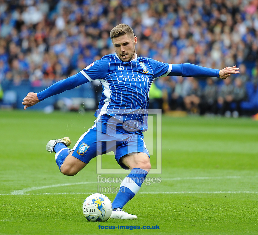 Gary Hooper of Sheffield Wednesday tries a long range shot during the Sky Bet Championship match at Hillsborough, Sheffield<br /> Picture by Richard Land/Focus Images Ltd +44 7713 507003<br /> 24/09/2016