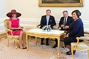 Staatsbezoek van Koning Willem Alexander Koningin Máxima aan de Republiek Polen.<br /> <br /> State visit of King Willem Alexander Queen Máxima of the Republic of Poland.<br /> <br /> Op de foto / On the photo: <br /> <br />   (VLNR) Koningin Maxima, koning Willem-Alexander, president Bronislaw Komorowski en zijn echtgenote Anna tijdens de audientie op het Presidentieel Paleis <br /> <br /> (LEFT) Queen Maxima, King Willem-Alexander, President Bronislaw Komorowski and his wife Anna in the audience at the Presidential Palace