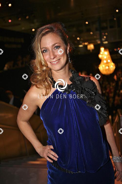 AMSTERDAM - In de Rai is de Miljonair Fair van start gegaan.  Met op de foto Fabienne de Vries. FOTO LEVIN DEN BOER - PERSFOTO.NU