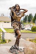 Heather Soderberg's sculpture of Sacagawea is a popular tourist attraction in Cascade Locks, Oregon, where she lives and has a studio and foundry.