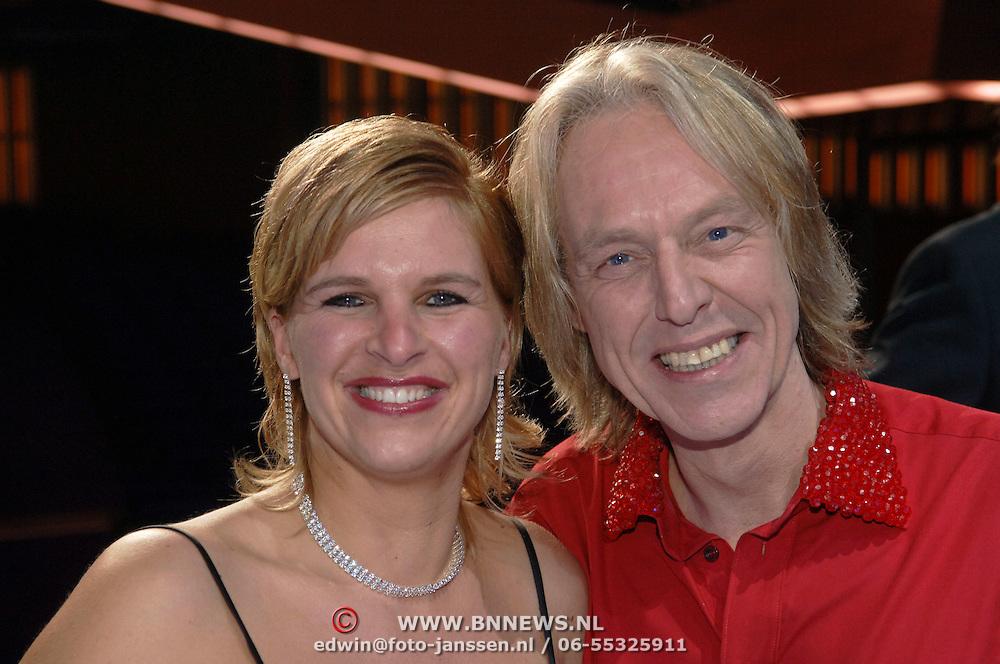 NLD/Amsterdam/20060116 - Premiere Queen in Concert, Bert Heerink en partner Esther van Wolferen