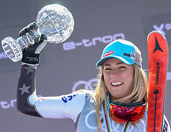 17.03.2019, Soldeu, AND, FIS Weltcup Ski Alpin, Riesenslalom, Damen, Siegerehrung, Weltcupwertung, im Bild Mikaela Shiffrin (USA) mit der kleinen Kristallkugel für den Riesenslalom Weltcupsieg // Mikaela Shiffrin of the USA with the small crystal globe for the giant slalom World Cup victory during the winner ceremony for the ladie's Giant Slalom Worldcup rating of FIS Ski Alpine World Cup finals. Soldeu, Andorra on 2019/03/17. EXPA Pictures © 2019, PhotoCredit: EXPA/Erich Spiess