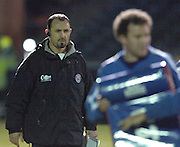 2005/06 Powergen Cup, Bath Rugby vs Gloucester Rugby, Acting chief coach, Mike Foley, supervises the pre game training session, at, The Rec, on the 03.12.2005.   © Peter Spurrier/Intersport Images - email images@intersport-images..