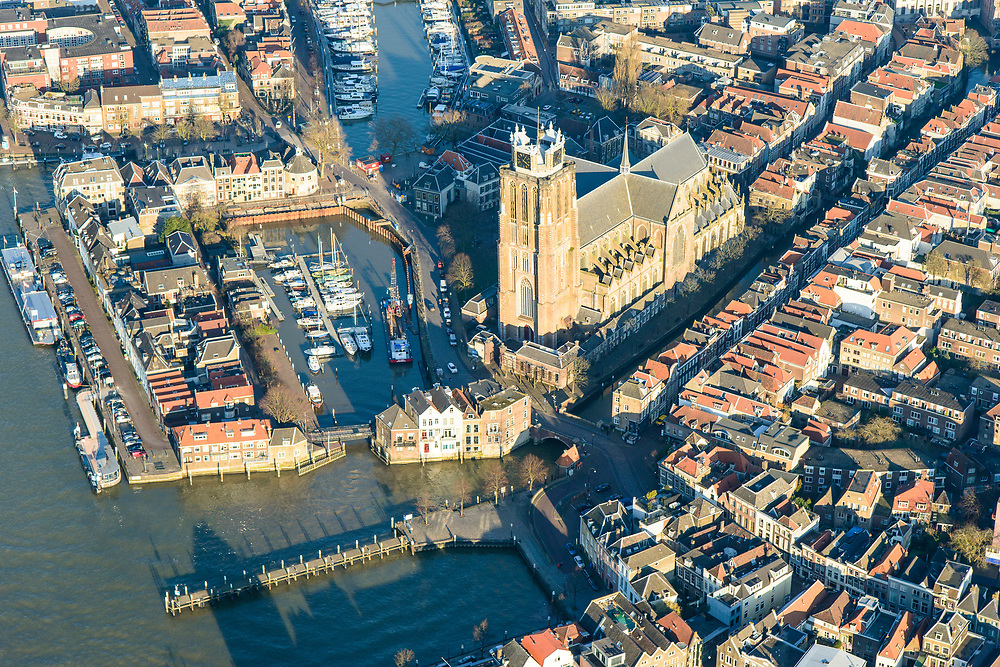 Nederland, Zuid-Holland, Dordrecht, 07-02-2018; historische binnenstad met Grote Kerk, oude Maas, Nieuwe Haven. Leuvehaven, Maartensgat.<br /> Inner city Dordrecht.<br /> luchtfoto (toeslag op standard tarieven);<br /> aerial photo (additional fee required);<br /> copyright foto/photo Siebe Swart