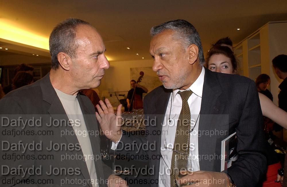 Dennis Hotz and Gulu Lalvani, Art Review/ Chaplins Milan event, 118-120 Brompton Rd. London. 7 May 2003. © Copyright Photograph by Dafydd Jones 66 Stockwell Park Rd. London SW9 0DA Tel 020 7733 0108 www.dafjones.com
