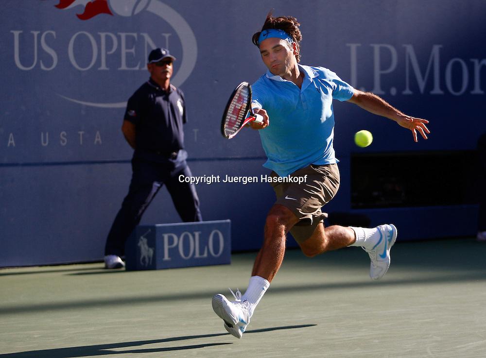US Open 2010, USTA Billie Jean King National Tennis Center, Flushing Meadows, New York,.ITF Grand Slam Tennis Tournament . Roger Federer (SUI)