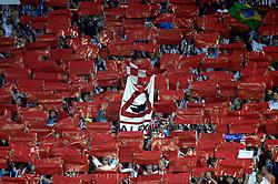 12-09-2006 VOETBAL: CHAMPIONS LEAGUE: PSV - LIVERPOOL: EINDHOVEN<br /> PSV en Liverpool eindigt zoals ze begonnen zijn 0-0 / Support PSV , supporters<br /> ©2006-WWW.FOTOHOOGENDOORN.NL