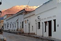 CACHI, EDIFICIOS TIPICOS Y NEVADO DE CACHI, VALLES CALCHAQUIES, PROV. DE SALTA, ARGENTINA