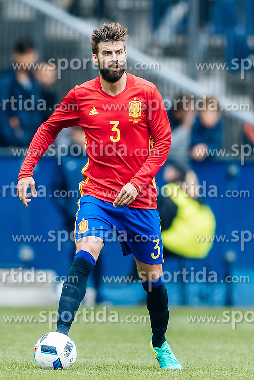 01.06.2016, Red Bull Arena, Salzburg, AUT, Testspiel, Spanien vs Suedkorea, im Bild Gerard Pique (ESP) // Gerard Pique of Spain during the International Friendly Match between Spain and South Korea at the Red Bull Arena in Salzburg, Austria on 2016/06/01. EXPA Pictures © 2016, PhotoCredit: EXPA/ JFK