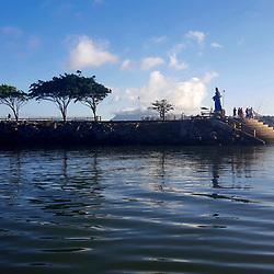 """""""Pier de Iemanjá (paisagem) fotografado em Vitória, Espírito Santo -  Sudeste do Brasil. Oceano Atlântico. Registro feito em 2017.<br /> <br /> <br /> ENGLISH: Iemanjá pier photographed in Vitória, Espírito Santo - Southeast of Brazil. Atlantic Ocean. Picture made in 2017."""""""