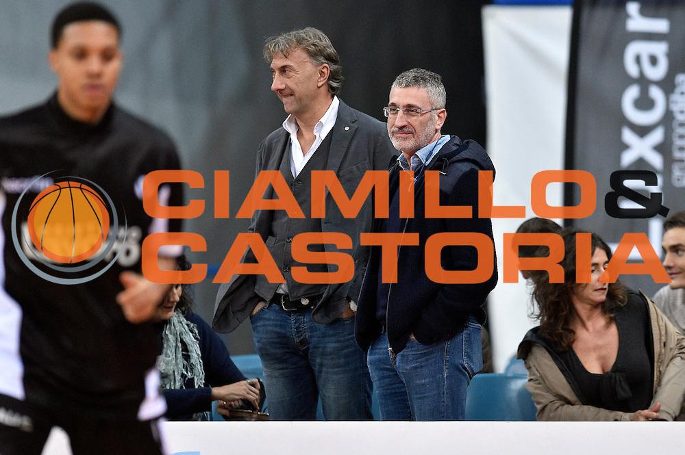 DESCRIZIONE : Pesaro Lega A 2015-16 Consultinvest Pesaro - Obiettivo Lavoro Bologna<br /> GIOCATORE : Claudio Albertini Pietro Basciano<br /> CATEGORIA : vip <br /> SQUADRA : Obiettivo Lavoro Bologna<br /> EVENTO : Campionato Lega A 2015-2016<br /> GARA : Consultinvest Pesaro - Obiettivo Lavoro Bologna<br /> DATA : 25/10/2015<br /> SPORT : Pallacanestro <br /> AUTORE : Agenzia Ciamillo-Castoria/GiulioCiamillo<br /> Galleria : Lega Basket A 2015-2016 <br /> Fotonotizia : Pesaro Lega A 2015-16 Consultinvest Pesaro - Obiettivo Lavoro Bologna<br /> Predefinita :