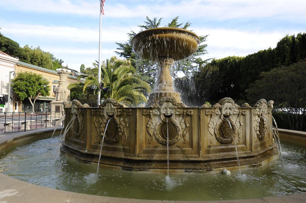 Fountain, park, Viña del Mar, is located in the middle of Bridgeway, California, Sausalito