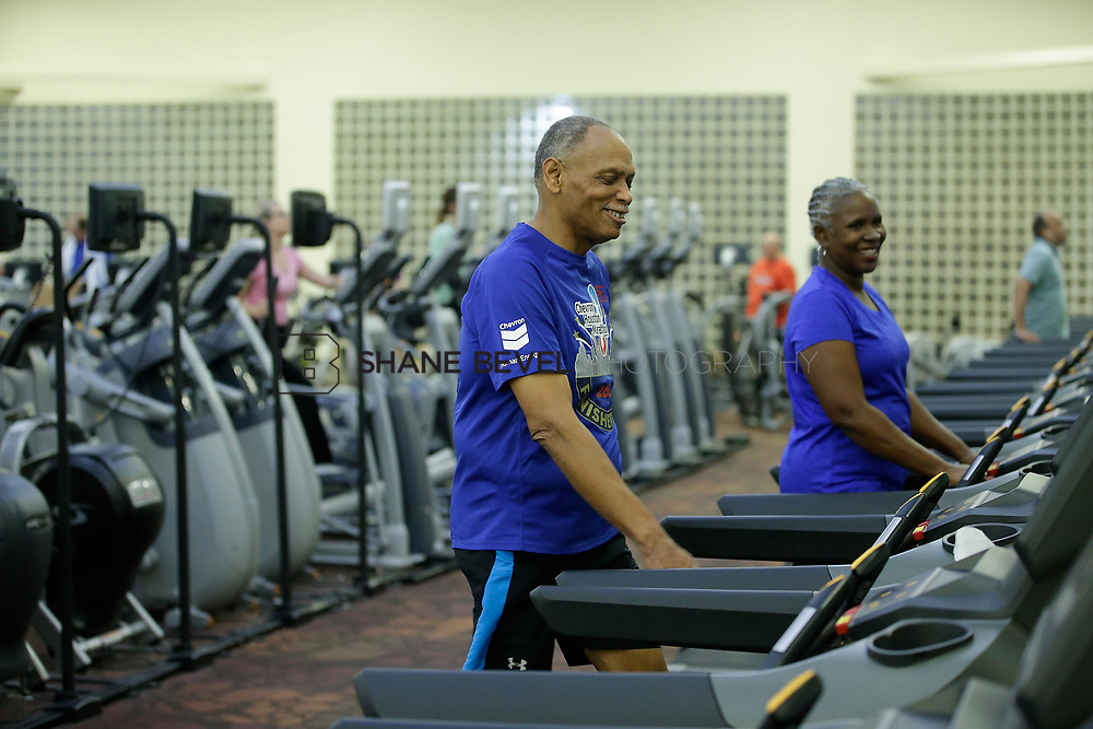 11/8/17 7:36:54 PM --  Charles and Shonda at Healthzone at SFHS. <br /> <br /> Photo by Shane Bevel