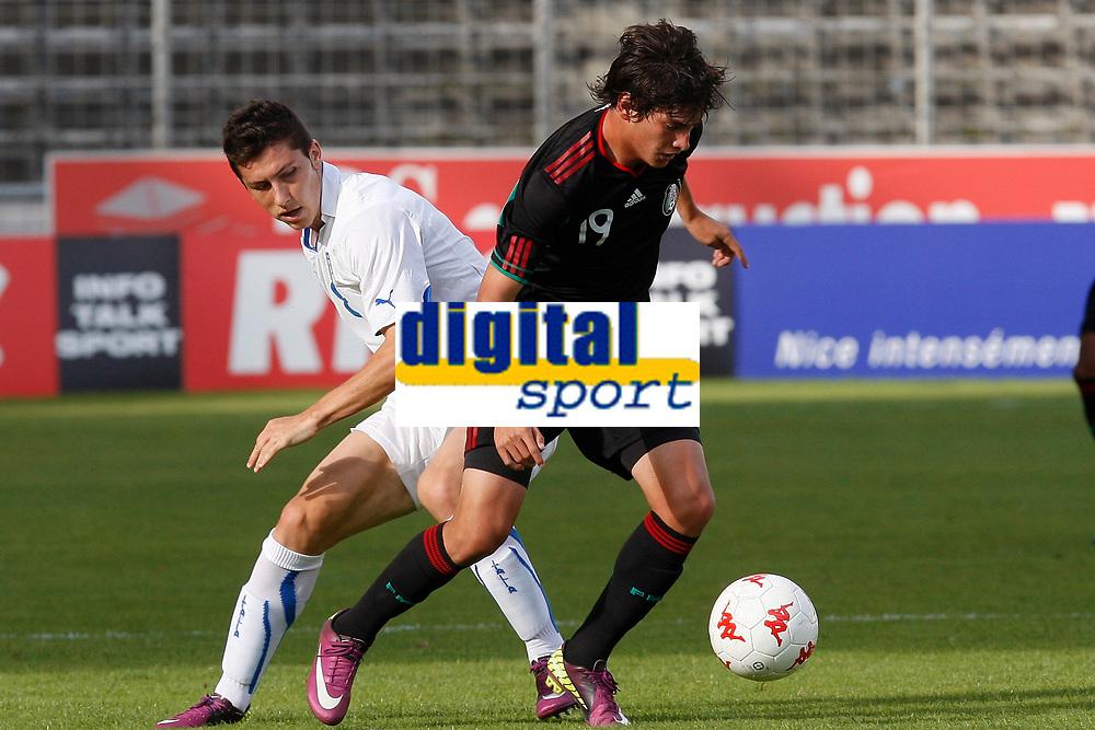FOOTBALL - UNDER 20 - INTERNATIONAL TOULON FESTIVAL 2011 - 3RD PLACE - MEXICO v ITALY - 10/06/2011 - PHOTO PHILIPPE LAURENSON / DPPI - MARRONE LUCA (ITA) / EDSON RIVERA (MEX)