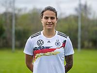 Fußball: DFB, Frauenfußball-Nationalmannschaft, Mannschafts- und Porträtfotos am 03.04.2019 in Marienfeld (Nordrhein-Westfalen). <br /> <br /> Dzsenifer Marozsan | usage worldwide