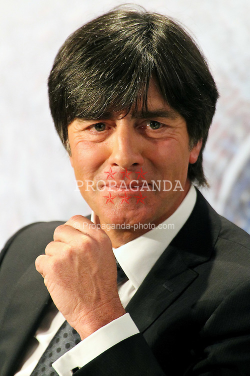 03.03.2011, VGH, Hannover, GER Sport trifft.... Joachim Löw & MP David McAllister bei VGH Versicherung in Hannover. im Bild   Bundestrainer Joachim Löw. EXPA Pictures © 2011, PhotoCredit: EXPA/ nph/  Rust       ****** out of GER / SWE / CRO  / BEL ******