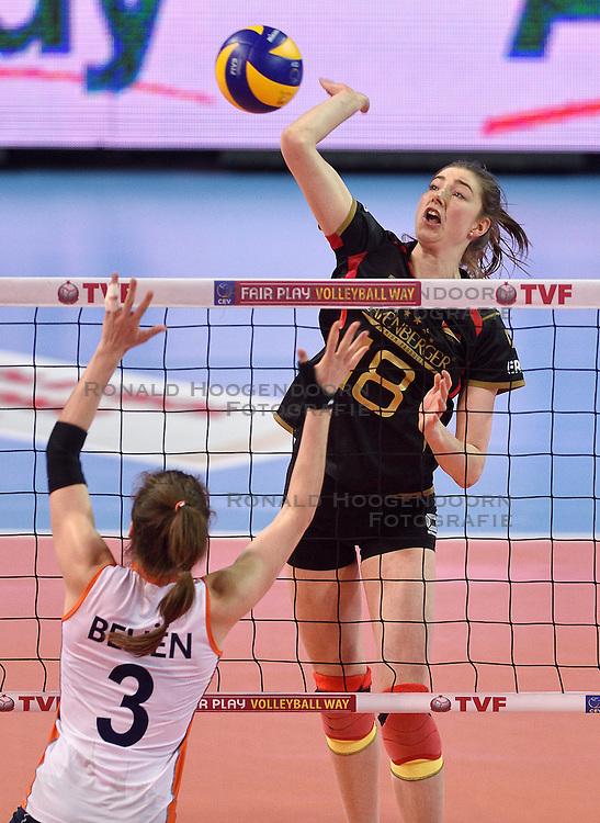 04-01-2016 TUR: European Olympic Qualification Tournament Nederland - Duitsland, Ankara <br /> De Nederlandse volleybalvrouwen hebben de eerste wedstrijd van het olympisch kwalificatietoernooi in Ankara niet kunnen winnen. Duitsland was met 3-2 te sterk (28-26, 22-25, 22-25, 25-20, 11-15) / Wiebke Silge #18 of Germany