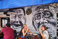 Singapour, quartier de Kampong Glam, bar et peinture murale // Singapore, Kampong Glma district, bar and wall painting