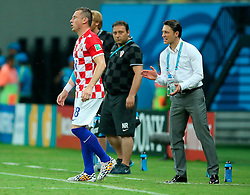19.06.2014, Arena da Amazonia, Manaus, BRA, FIFA WM, Kamerun vs Kroatien, Gruppe A, im Bild Ivica Olic and Croatian coach Niko Kovac // during Group A match between Cameroon and Croatia of the FIFA Worldcup Brasil 2014 at the Arena da Amazonia in Manaus, Brazil on 2014/06/19. EXPA Pictures © 2014, PhotoCredit: EXPA/ Pixsell/ Sanjin Strukic<br /> <br /> *****ATTENTION - for AUT, SLO, SUI, SWE, ITA, FRA only*****