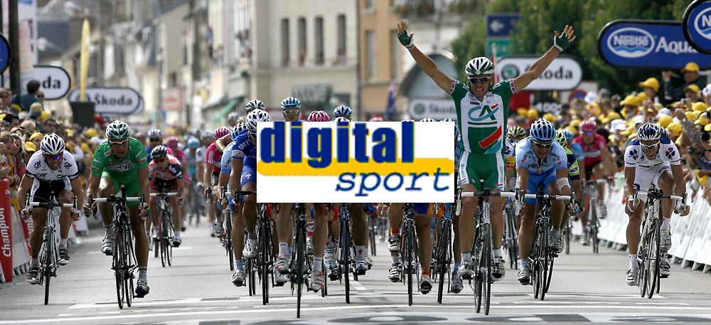 Sykkel<br /> Tour de France<br /> 4. etappe<br /> 11.07.2007<br /> Foto: PhotoNews/Digitalsport<br /> NORWAY ONLY<br /> <br /> VILLERS-COTTERETS<br /> <br /> THOR HUSHOVD