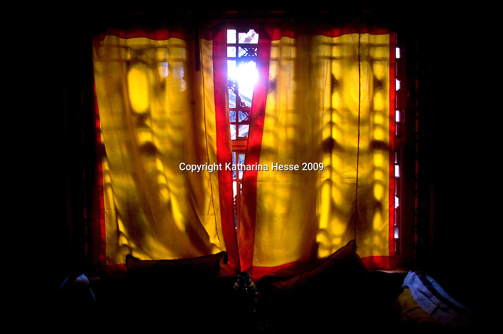 LHASA, JUNE-16, 2009 :a window in an old Tibetan house.
