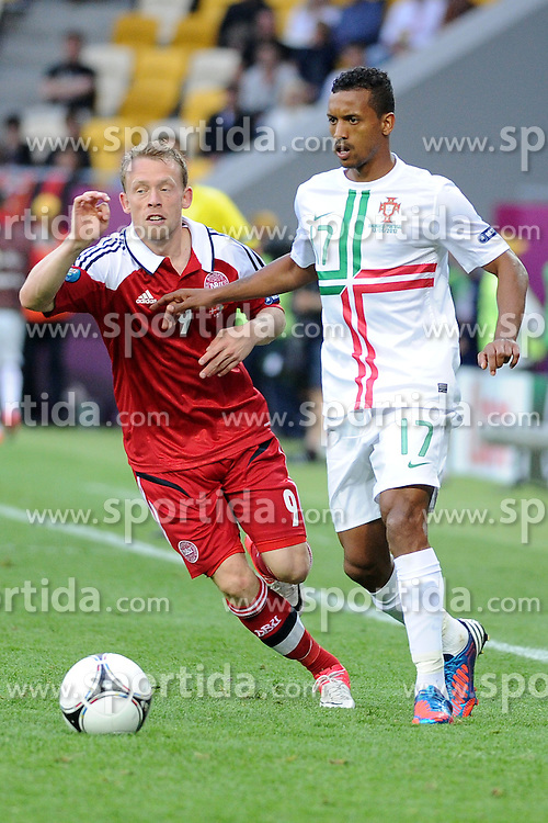 13.06.2012, Arena Lwiw, Lemberg, UKR, UEFA EURO 2012, Daenemark vs Portugal, Gruppe B, im Bild MICHAEL KROHN-DEHLI (L), NANI (P) // during the UEFA Euro 2012 Group B Match between Denmark and Portugal at the Arena Lviv, Lviv, Ukraine on 2012/06/13. EXPA Pictures © 2012, PhotoCredit: EXPA/ Newspix/ Michal Stanczyk..***** ATTENTION - for AUT, SLO, CRO, SRB, SUI and SWE only *****