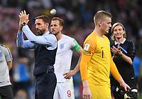 FUSSBALL  WM 2018  Halbfinale  ------- Kroatien - England        11.07.2018 Trainer Gareth Southgate (li, England) ist nach dem Abpfiff enttaeuscht