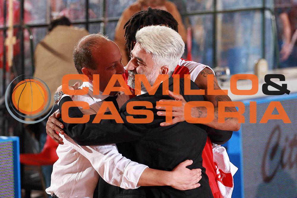 DESCRIZIONE : Biella Lega A1 2008-09 Angelico Biella Bancatercas Teramo<br /> GIOCATORE : Carlo Antonetti Andrea Capobianco<br /> SQUADRA : Bancatercas Teramo<br /> EVENTO : Campionato Lega A1 2008-2009<br /> GARA : Angelico Biella Bancatercas Teramo<br /> DATA : 19/10/2008<br /> CATEGORIA : Esultanza<br /> SPORT : Pallacanestro<br /> AUTORE : Agenzia Ciamillo-Castoria/S.Ceretti<br /> Galleria : Lega Basket A1 2008-2009<br /> Fotonotizia : Biella Campionato Italiano Lega A1 2008-2009 Angelico Biella Bancatercas Teramo<br /> Predefinita :
