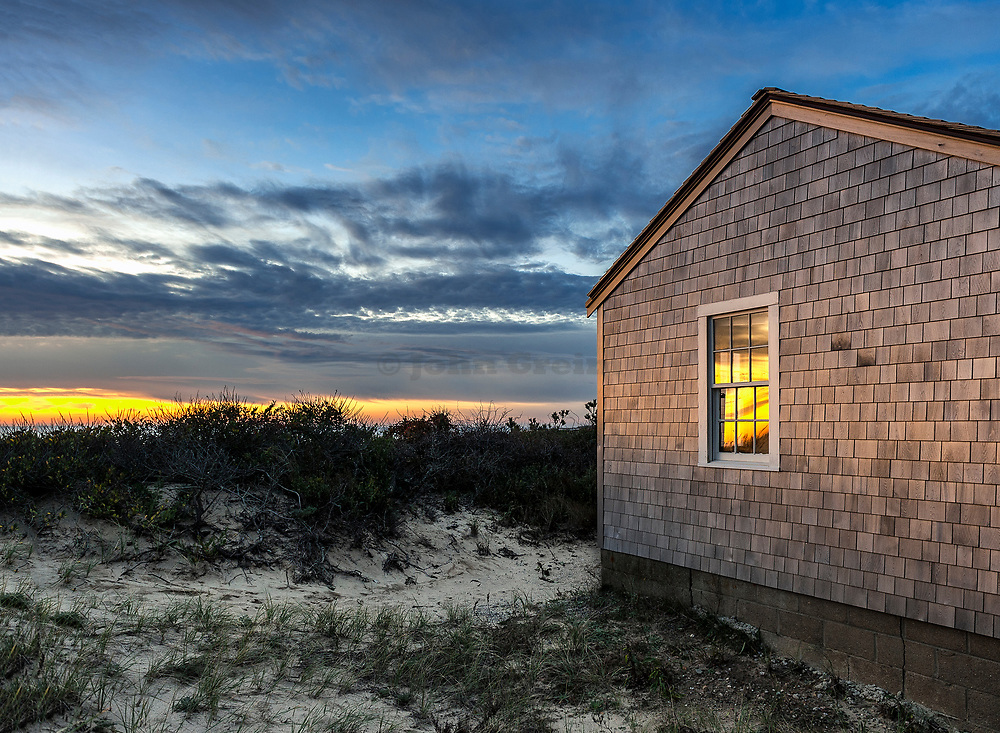 Waterfront beach cottage, Cape Cod, Massachusetts, USA.