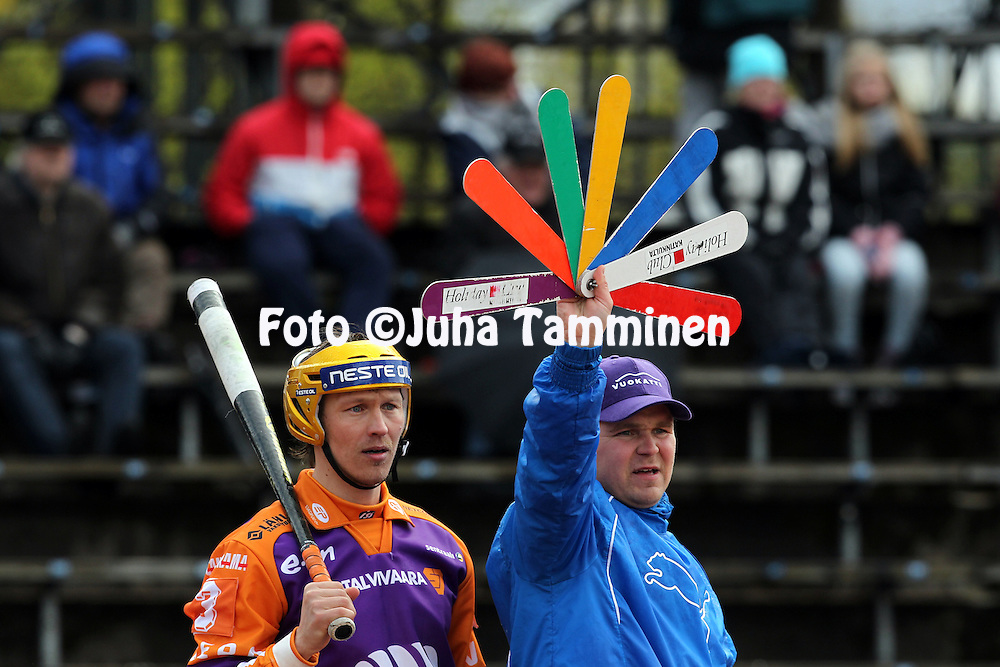12.5.2012, Pihkala, Hyvink??..Superpesis 2012, Hyvink??n Tahko - Sotkamon Jymy..Toni Kohonen & pelinjohtaja Mikko Kuosmanen - Sotkamo.
