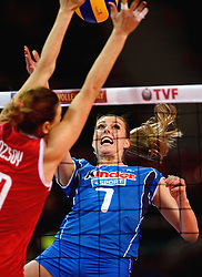09-01-2016 TUR: European Olympic Qualification Tournament Turkije - Italie, Ankara<br /> De strijd om de tweede Japan ticket / Martina Guiggi #7 of Italie, Neslihan Demir Guler #17 of Turkey