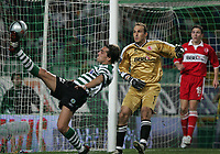 PORTUGAL - LISBOA 17 MARCH 2005: BETO #22 and MARK SCHWARZER #1 in the UEFA Cup knockout phase, match Sporting CP (0) vs Middlesbrough FC (0), held in Alvalade 21 stadium.  17/03/2005  22:09:05<br />(PHOTO BY: GERARDO SANTOS/AFCD)<br /><br />PORTUGAL OUT, PARTNER COUNTRY ONLY, ARCHIVE OUT, EDITORIAL USE ONLY, CREDIT LINE IS MANDATORY AFCD-PHOTO AGENCY 2004 © ALL RIGHTS RESERVED