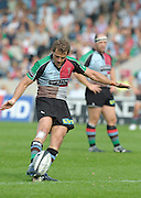 Twickenham, GREAT BRITAIN,  Harlequins'. Nick EVANS,  during the Guinness Premiership game, Harlequins vs Saracens, at The Stoop Stadium, Surrey on Sat. 19.09.2009.  [Photo. Peter Spurrier/Intersport-images]