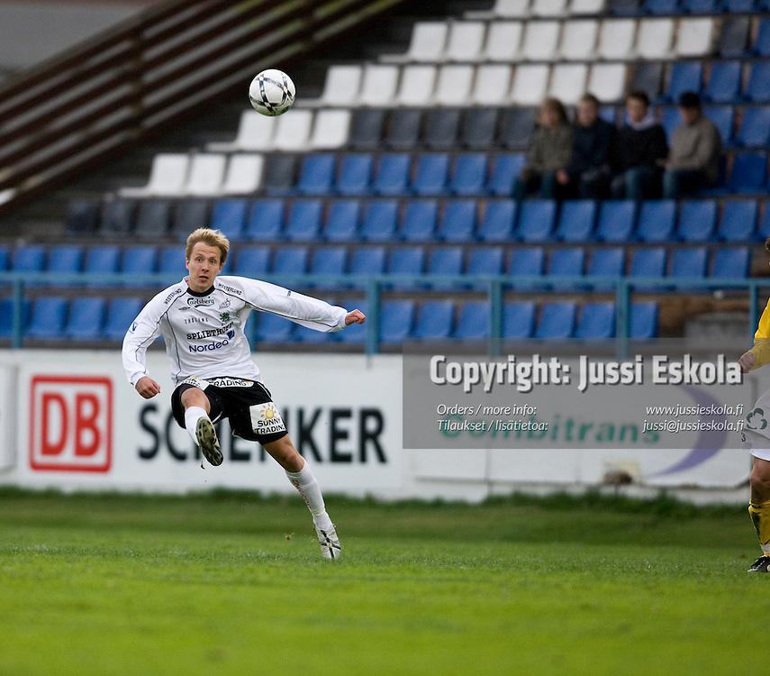 Janne Mahlakaarto. Haka - KuPS. Veikkausliiga 5.5.2008. Valkeakoski. Photo: Jussi Eskola