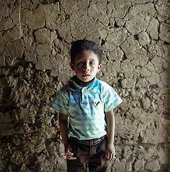 Celso Israel, 6 years old, in the village of Chitulul. His family consists of eight people. Celso is worst affected by his malnutrition but all of his siblings are also chronic malnourished. In addition to tortillas, beans and vegetables, the family ration usually five eggs for three days. The dad works in periods on the local mono cultures. But the salary is never enough.